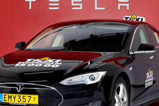 tesla taxi stockholm